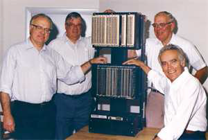 Dick Morley (L) and Modicon 084